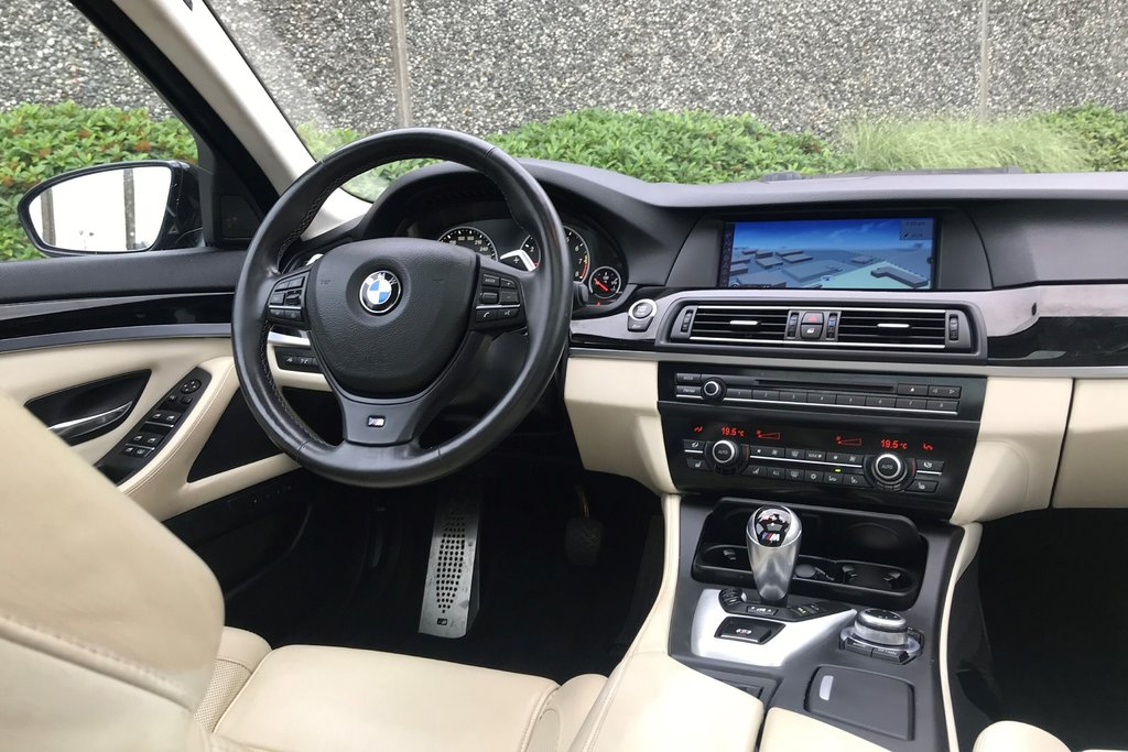 2012 BMW M5 in North Vancouver, British Columbia - 18 - w1024h768px