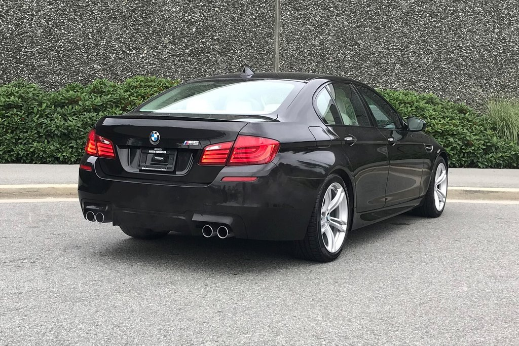 2012 BMW M5 in North Vancouver, British Columbia - 22 - w1024h768px