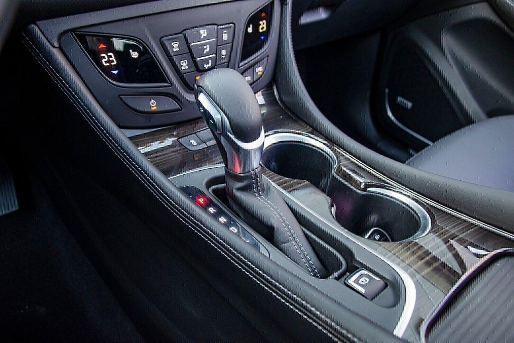 2019 Buick ENVISION Premium in Dollard-des-Ormeaux, Quebec - 11 - w1024h768px