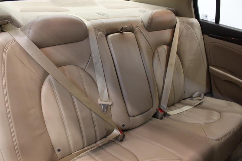 2011 Buick Lucerne CXL Sedan in Regina, Saskatchewan - 12 - w1024h768px