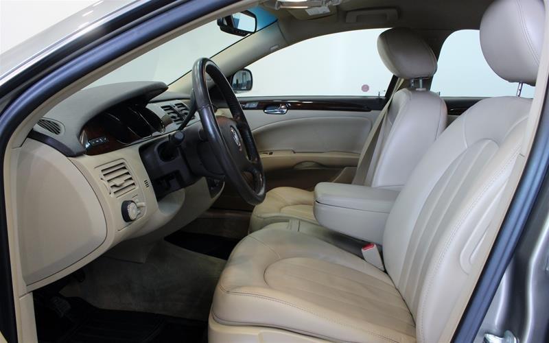 2011 Buick Lucerne CXL Sedan in Regina, Saskatchewan - 8 - w1024h768px