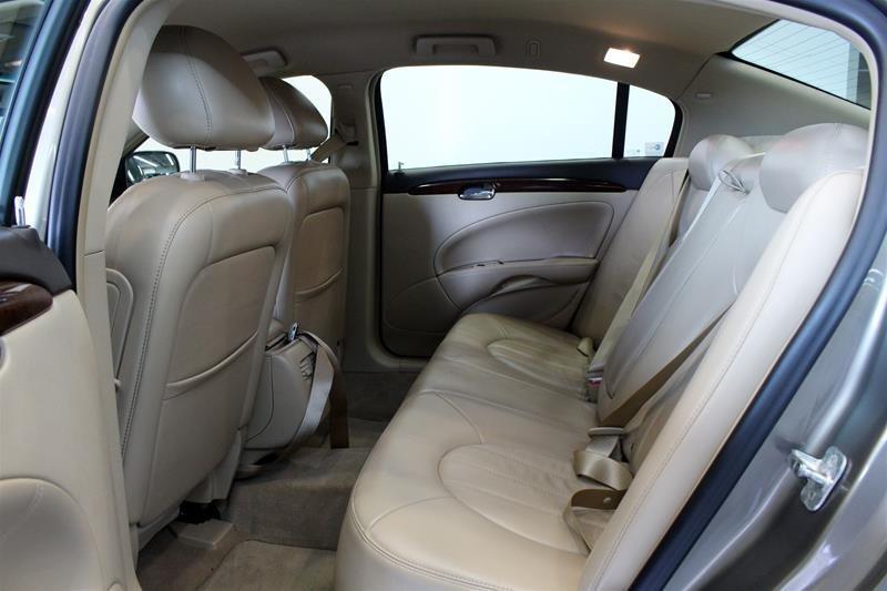 2011 Buick Lucerne CXL Sedan in Regina, Saskatchewan - 10 - w1024h768px