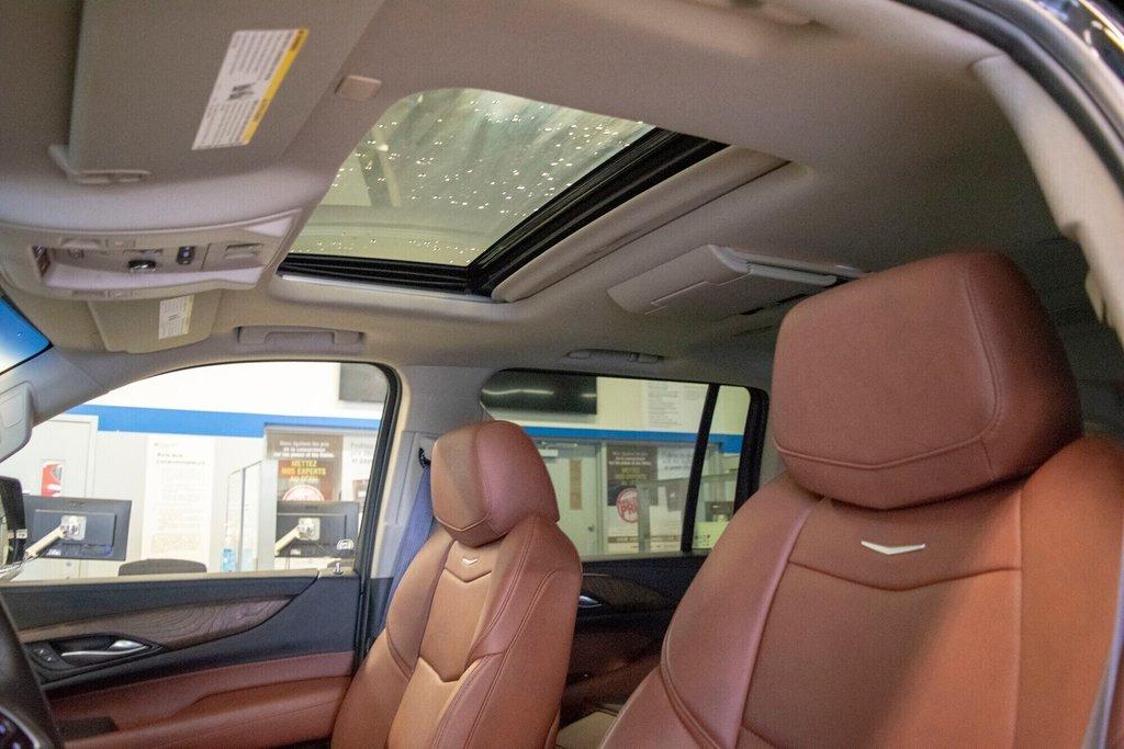2017 Cadillac Escalade ESV Premium Luxury in Dollard-des-Ormeaux, Quebec - 25 - w1024h768px