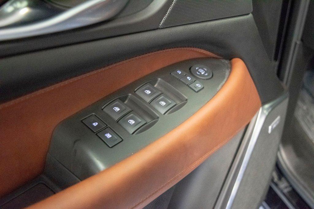 2017 Cadillac Escalade ESV Premium Luxury in Dollard-des-Ormeaux, Quebec - 28 - w1024h768px