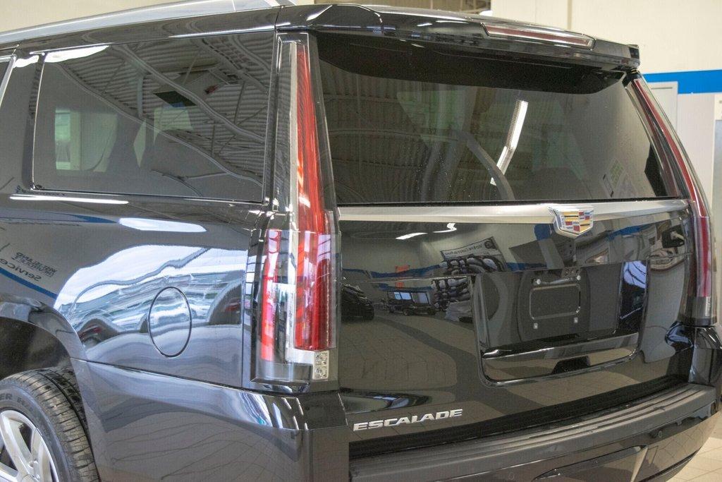 2017 Cadillac Escalade ESV Premium Luxury in Dollard-des-Ormeaux, Quebec - 30 - w1024h768px