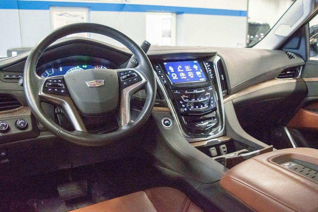 2017 Cadillac Escalade ESV Premium Luxury in Dollard-des-Ormeaux, Quebec - 10 - w1024h768px