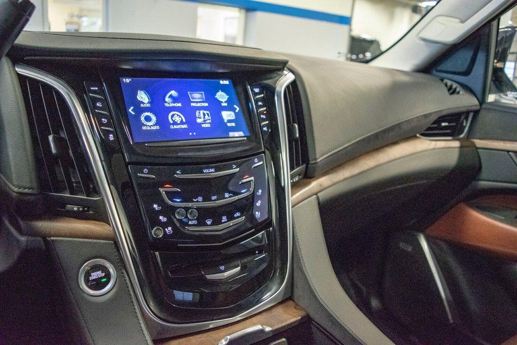 2017 Cadillac Escalade ESV Premium Luxury in Dollard-des-Ormeaux, Quebec - 21 - w1024h768px
