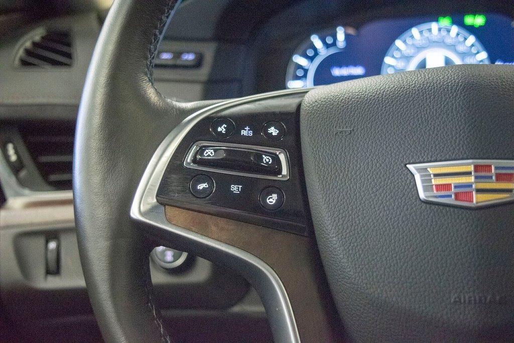2017 Cadillac Escalade ESV Premium Luxury in Dollard-des-Ormeaux, Quebec - 13 - w1024h768px