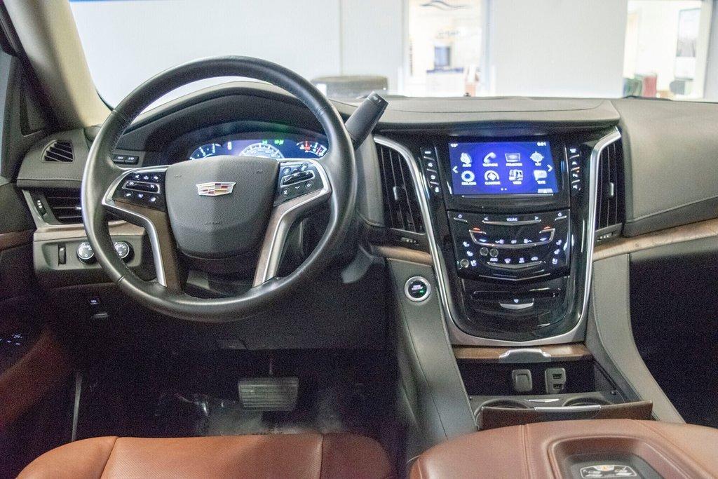 2017 Cadillac Escalade ESV Premium Luxury in Dollard-des-Ormeaux, Quebec - 9 - w1024h768px