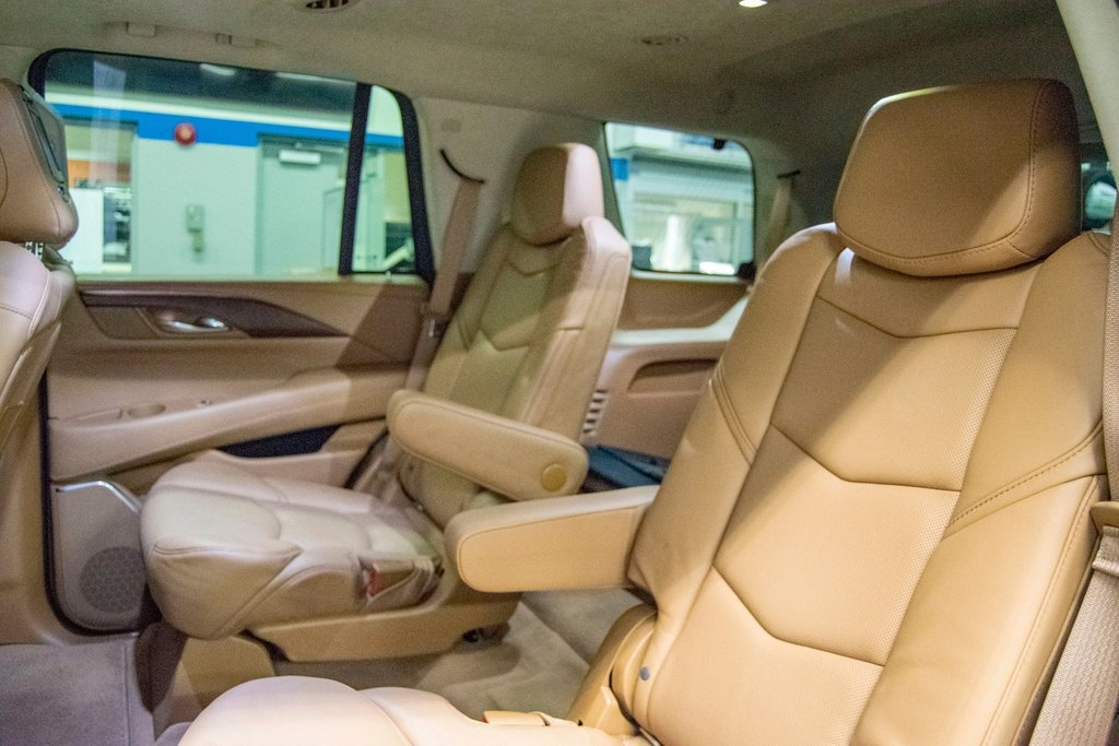 2016 Cadillac Escalade Platinum **DVD ** GPS ** CAMERA ** in Dollard-des-Ormeaux, Quebec - 31 - w1024h768px