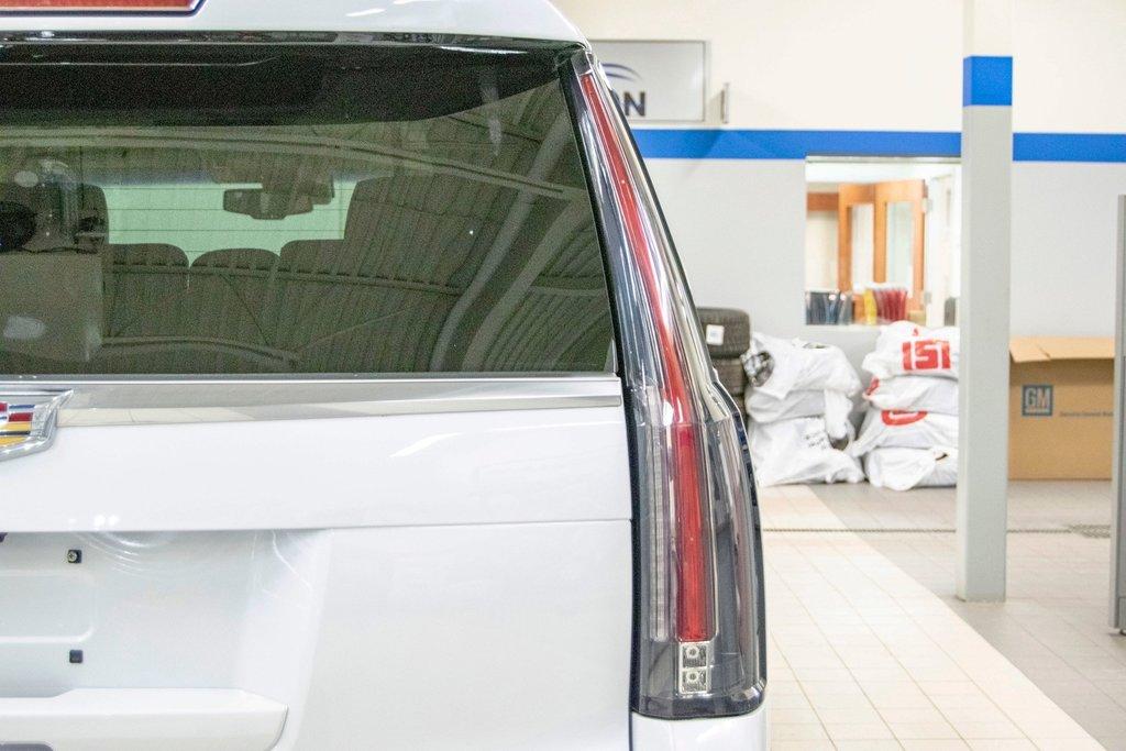 2016 Cadillac Escalade Platinum **DVD ** GPS ** CAMERA ** in Dollard-des-Ormeaux, Quebec - 10 - w1024h768px