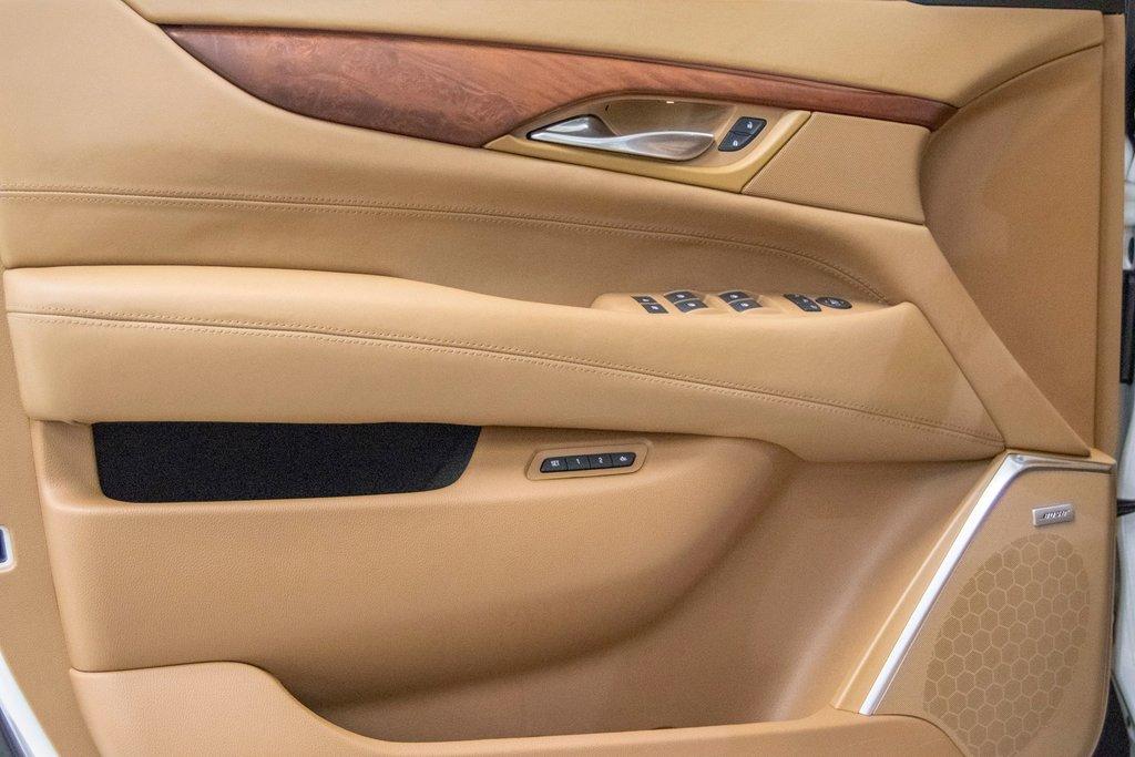 2016 Cadillac Escalade Platinum **DVD ** GPS ** CAMERA ** in Dollard-des-Ormeaux, Quebec - 29 - w1024h768px