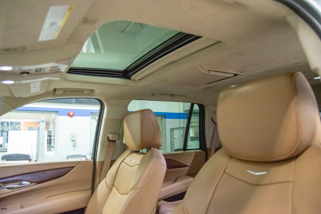 2016 Cadillac Escalade Platinum **DVD ** GPS ** CAMERA ** in Dollard-des-Ormeaux, Quebec - 28 - w1024h768px