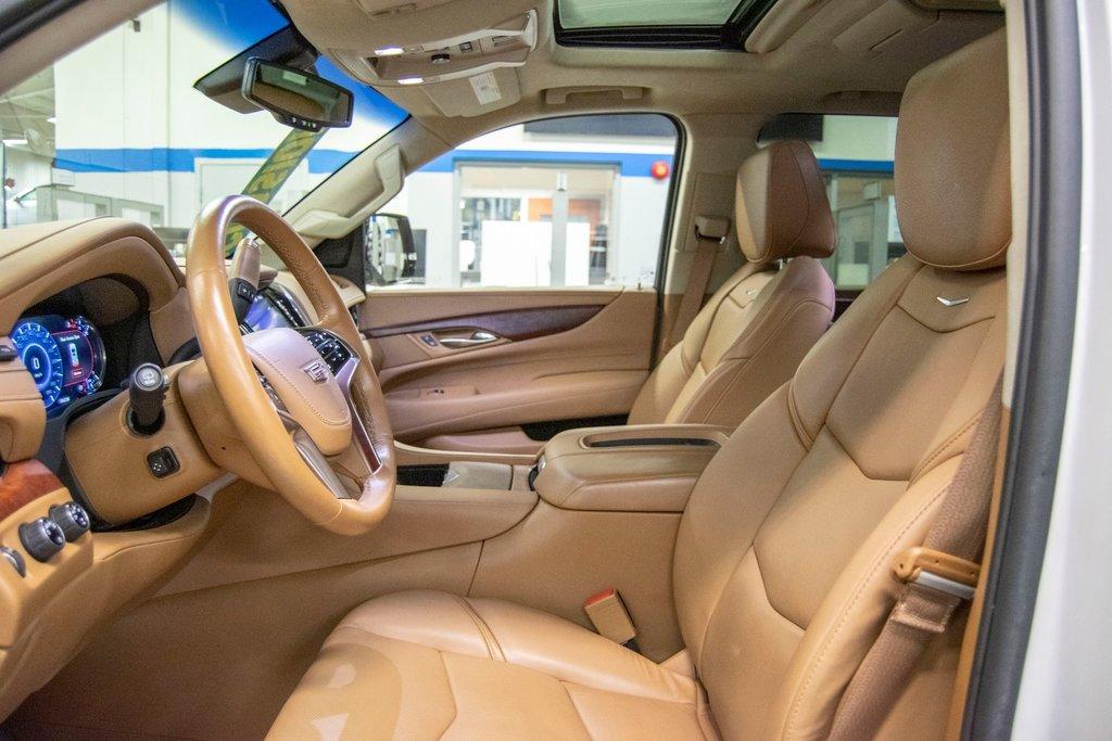 2016 Cadillac Escalade Platinum **DVD ** GPS ** CAMERA ** in Dollard-des-Ormeaux, Quebec - 26 - w1024h768px