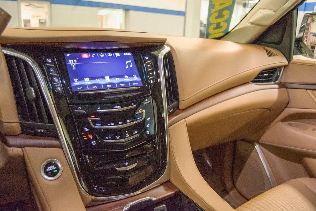 2016 Cadillac Escalade Platinum **DVD ** GPS ** CAMERA ** in Dollard-des-Ormeaux, Quebec - 23 - w1024h768px