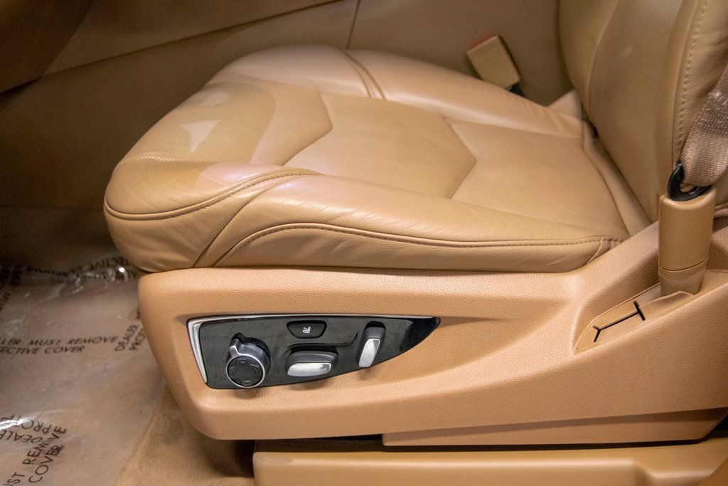 2016 Cadillac Escalade Platinum **DVD ** GPS ** CAMERA ** in Dollard-des-Ormeaux, Quebec - 25 - w1024h768px
