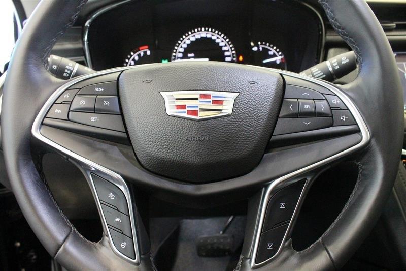 2017 Cadillac XT5 AWD Premium Luxury in Regina, Saskatchewan - 6 - w1024h768px