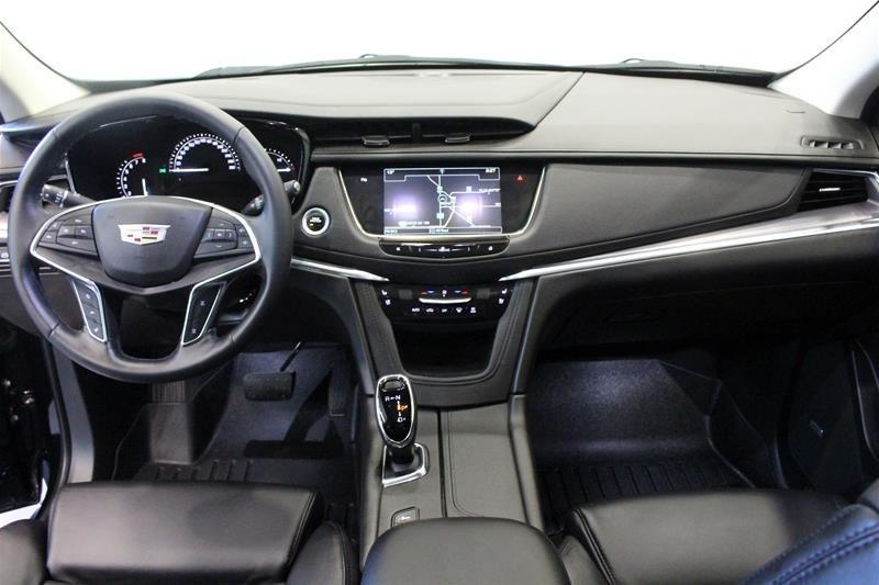 2017 Cadillac XT5 AWD Premium Luxury in Regina, Saskatchewan - 13 - w1024h768px