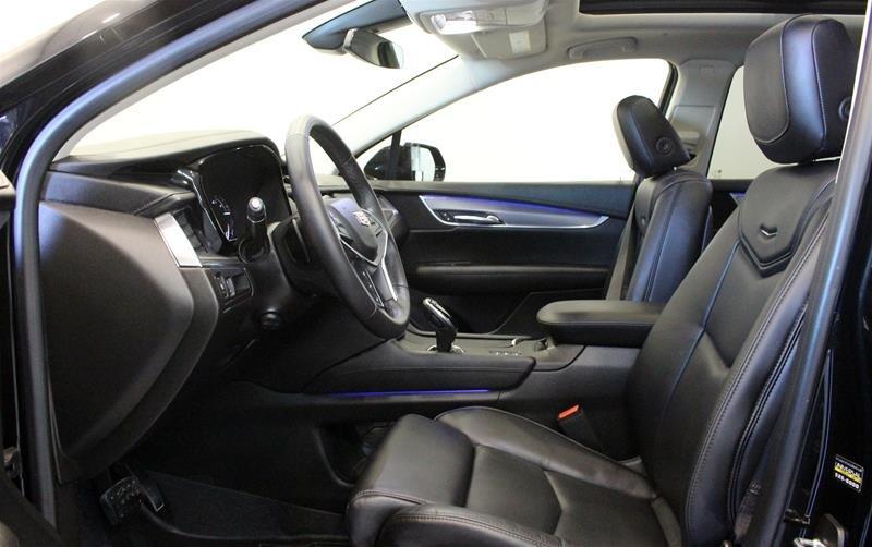 2017 Cadillac XT5 AWD Premium Luxury in Regina, Saskatchewan - 10 - w1024h768px