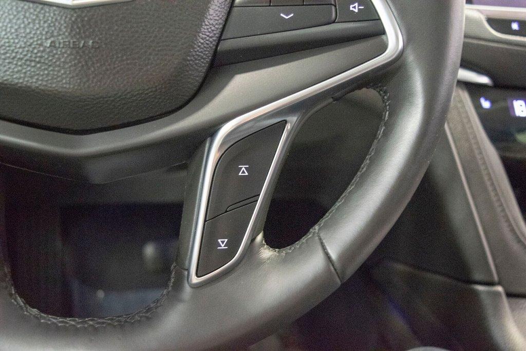 2017 Cadillac XT5 Luxury ** TOIT PANO ** AWD ** in Dollard-des-Ormeaux, Quebec - 14 - w1024h768px