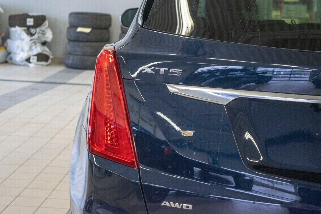 2017 Cadillac XT5 Luxury ** TOIT PANO ** AWD ** in Dollard-des-Ormeaux, Quebec - 33 - w1024h768px