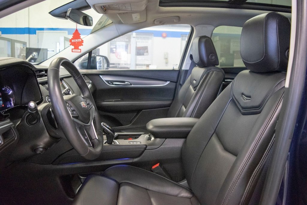 2017 Cadillac XT5 Luxury ** TOIT PANO ** AWD ** in Dollard-des-Ormeaux, Quebec - 23 - w1024h768px