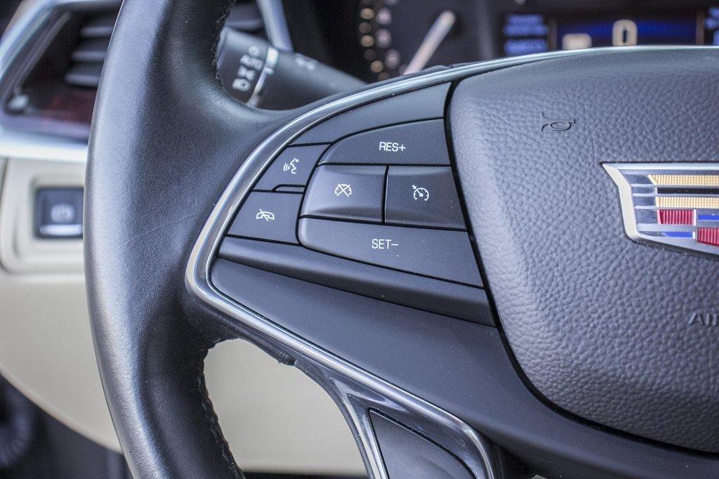 2017 Cadillac XT5 Luxury ** GPS ** CAMERA ** TOIT PANO ** in Dollard-des-Ormeaux, Quebec - 12 - w1024h768px