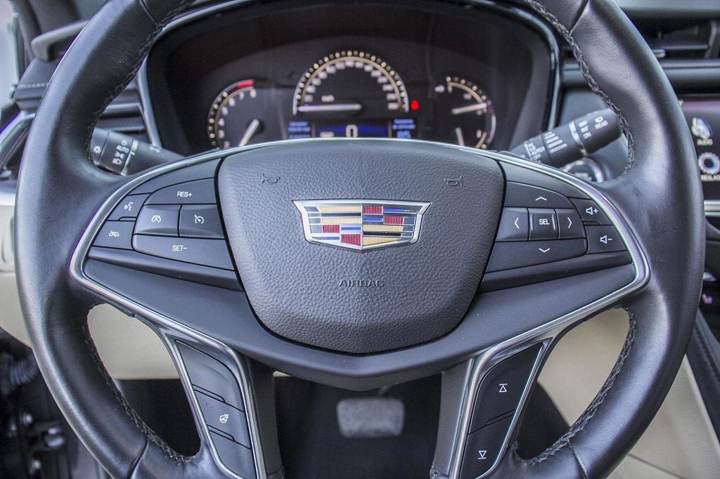 2017 Cadillac XT5 Luxury ** GPS ** CAMERA ** TOIT PANO ** in Dollard-des-Ormeaux, Quebec - 10 - w1024h768px
