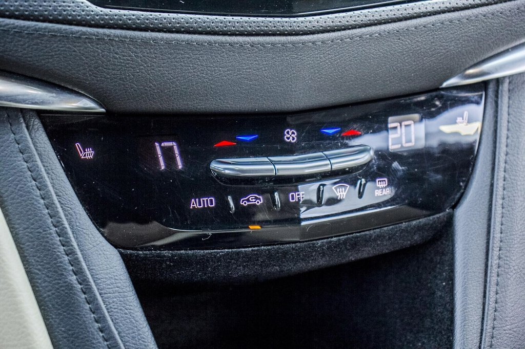 2017 Cadillac XT5 Luxury ** GPS ** CAMERA ** TOIT PANO ** in Dollard-des-Ormeaux, Quebec - 22 - w1024h768px