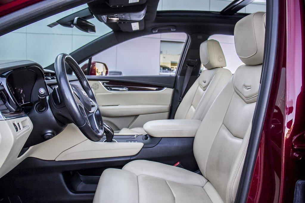 2017 Cadillac XT5 Luxury ** NAVIGATION ** AWD ** 3.99% 60 MOIS ** in Dollard-des-Ormeaux, Quebec - 37 - w1024h768px