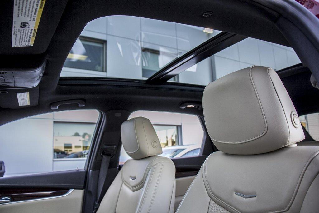 2017 Cadillac XT5 Luxury ** NAVIGATION ** AWD ** 3.99% 60 MOIS ** in Dollard-des-Ormeaux, Quebec - 38 - w1024h768px