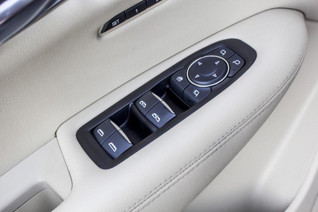 2017 Cadillac XT5 Luxury ** NAVIGATION ** AWD ** 3.99% 60 MOIS ** in Dollard-des-Ormeaux, Quebec - 43 - w1024h768px