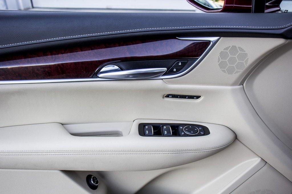 2017 Cadillac XT5 Luxury ** NAVIGATION ** AWD ** 3.99% 60 MOIS ** in Dollard-des-Ormeaux, Quebec - 42 - w1024h768px
