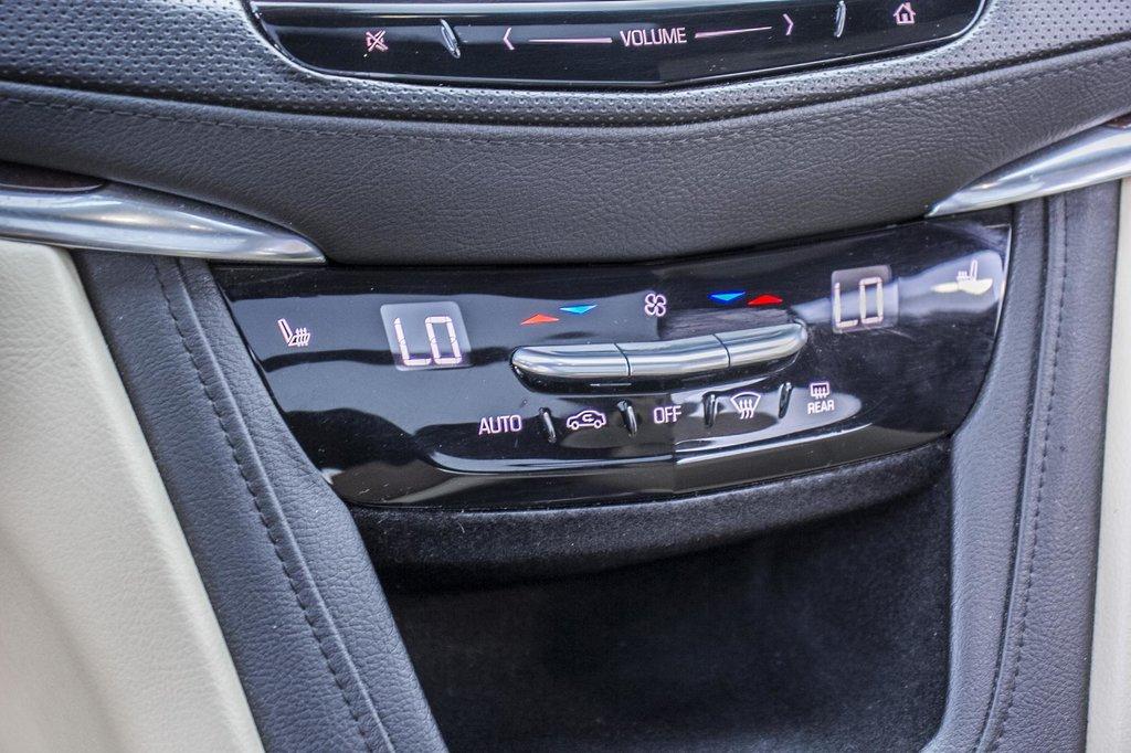 2017 Cadillac XT5 Luxury ** NAVIGATION ** AWD ** 3.99% 60 MOIS ** in Dollard-des-Ormeaux, Quebec - 33 - w1024h768px