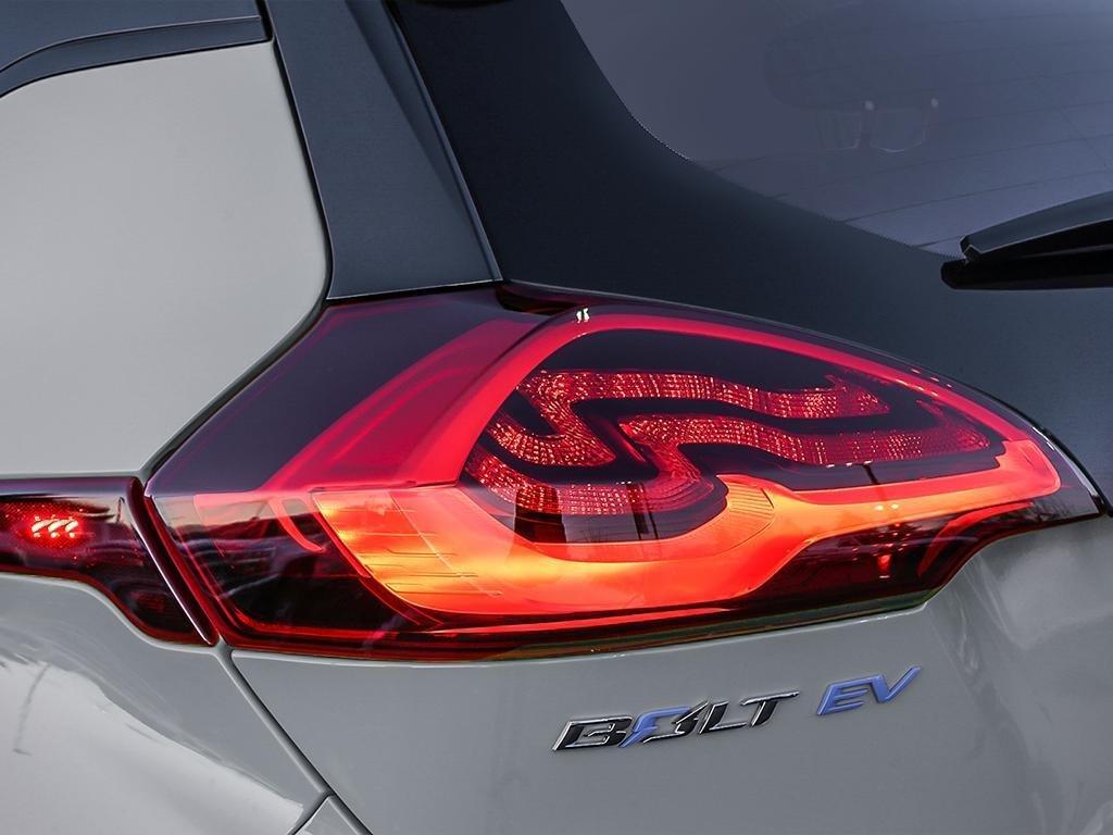2019 Chevrolet Bolt EV LT in Dollard-des-Ormeaux, Quebec - 11 - w1024h768px