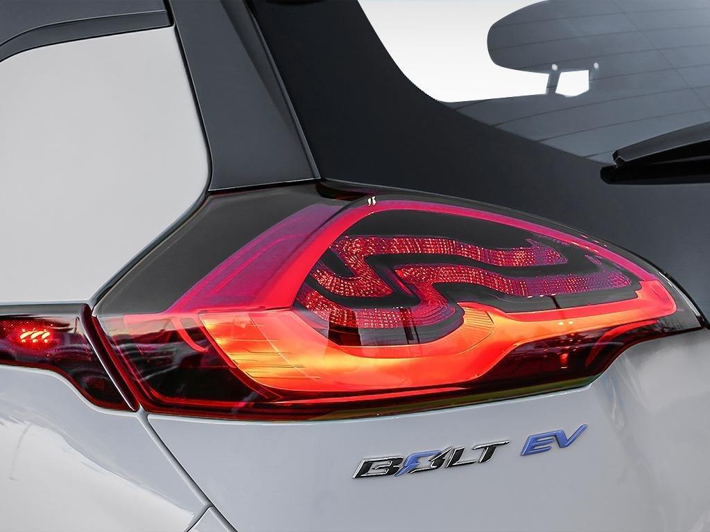 2019 Chevrolet Bolt EV Premier in Dollard-des-Ormeaux, Quebec - 11 - w1024h768px