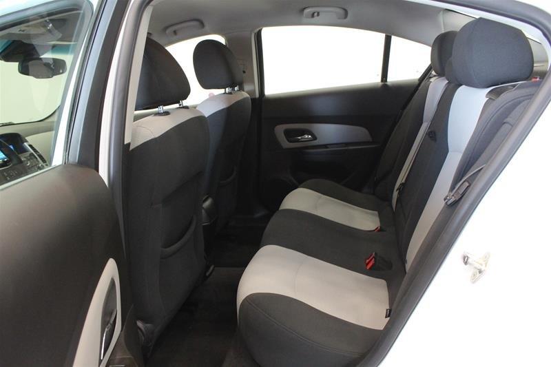 2011 Chevrolet Cruze LS Sedan in Regina, Saskatchewan - 11 - w1024h768px