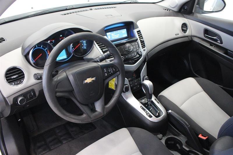 2011 Chevrolet Cruze LS Sedan in Regina, Saskatchewan - 8 - w1024h768px