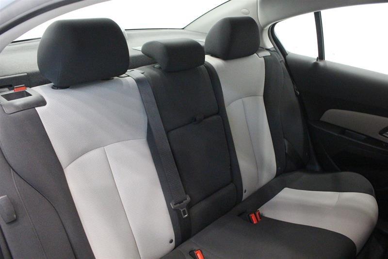 2011 Chevrolet Cruze LS Sedan in Regina, Saskatchewan - 12 - w1024h768px
