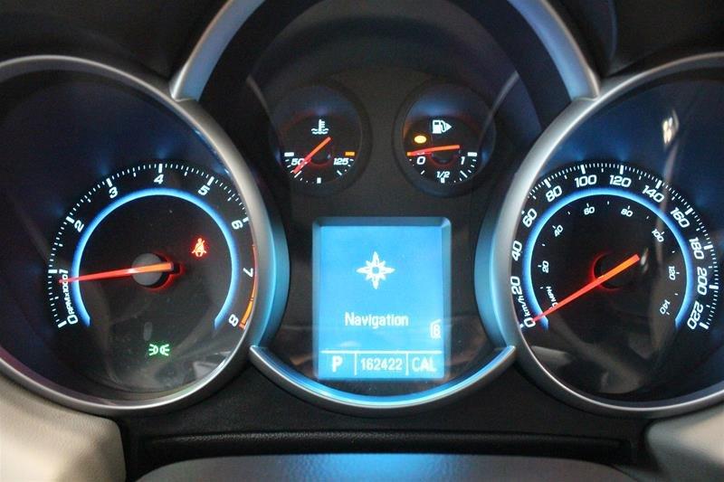 2011 Chevrolet Cruze LS Sedan in Regina, Saskatchewan - 2 - w1024h768px