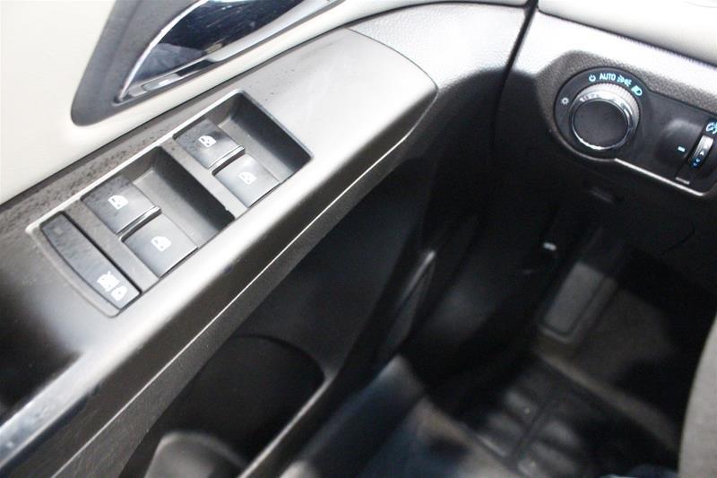 2011 Chevrolet Cruze LS Sedan in Regina, Saskatchewan - 3 - w1024h768px
