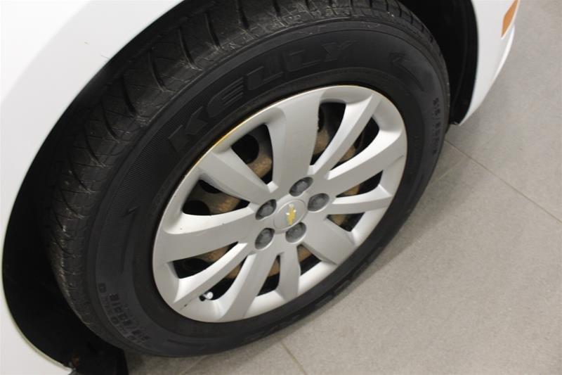2011 Chevrolet Cruze LS Sedan in Regina, Saskatchewan - 15 - w1024h768px