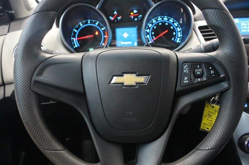 2011 Chevrolet Cruze LS Sedan in Regina, Saskatchewan - 6 - w1024h768px