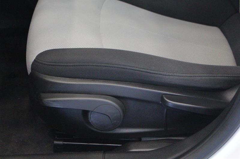 2011 Chevrolet Cruze LS Sedan in Regina, Saskatchewan - 10 - w1024h768px