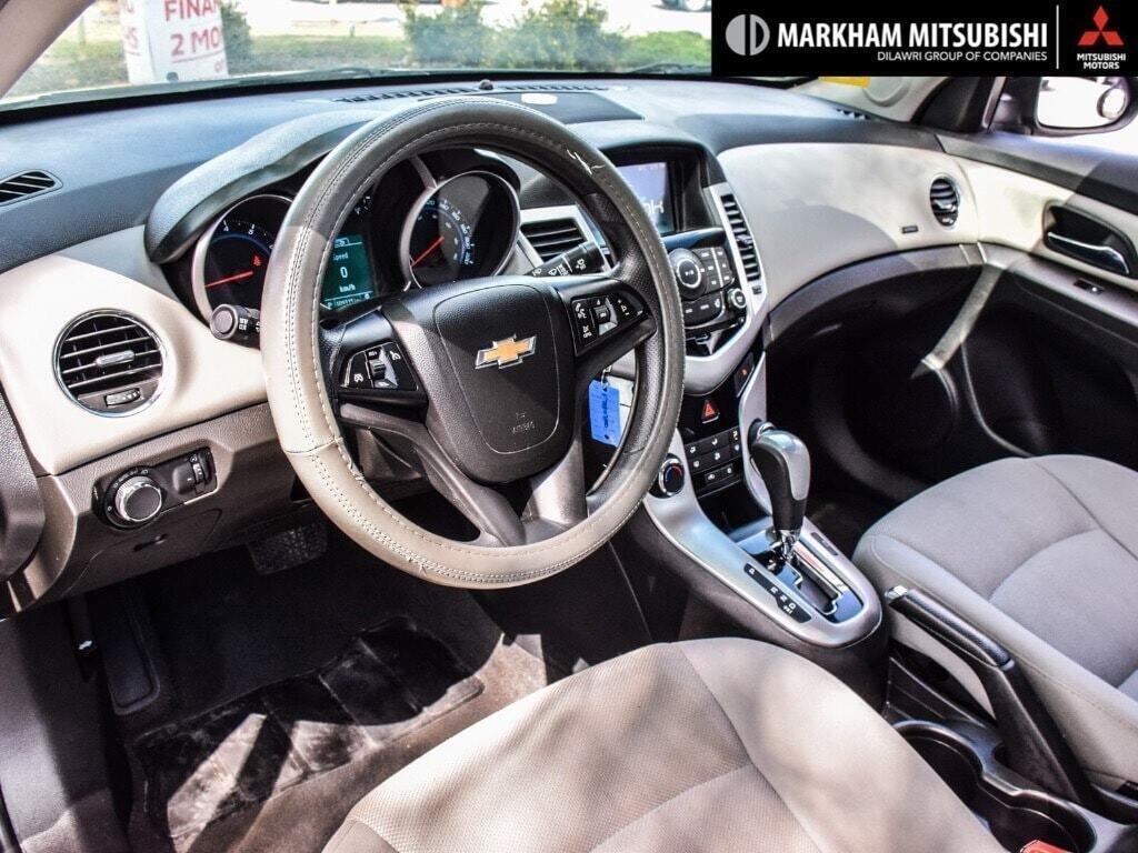 2015 Chevrolet Cruze LT Turbo in Markham, Ontario - 10 - w1024h768px