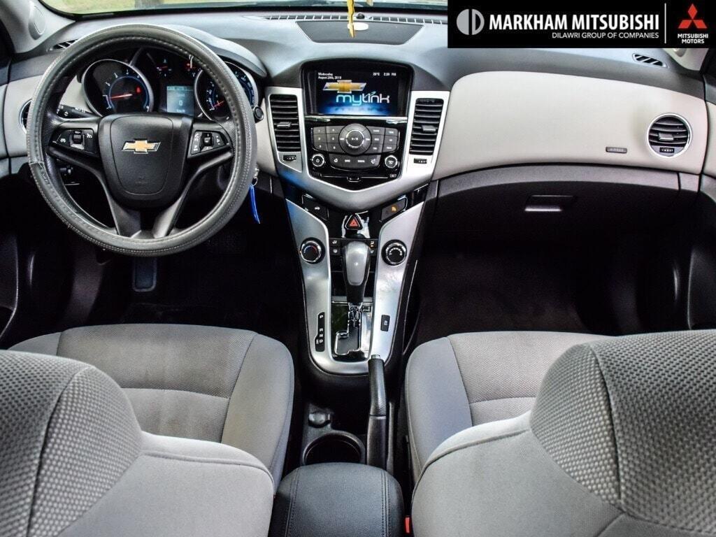 2015 Chevrolet Cruze LT Turbo in Markham, Ontario - 11 - w1024h768px
