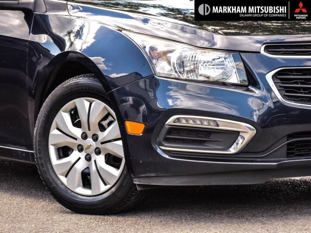 2015 Chevrolet Cruze LT Turbo in Markham, Ontario - 7 - w1024h768px