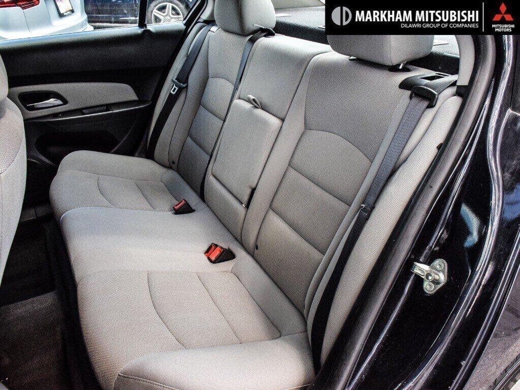 2015 Chevrolet Cruze LT Turbo in Markham, Ontario - 24 - w1024h768px