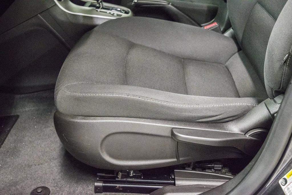 2015 Chevrolet Cruze LT  **GROUPE ELECTRIQUE ** CAMERA ** in Dollard-des-Ormeaux, Quebec - 23 - w1024h768px