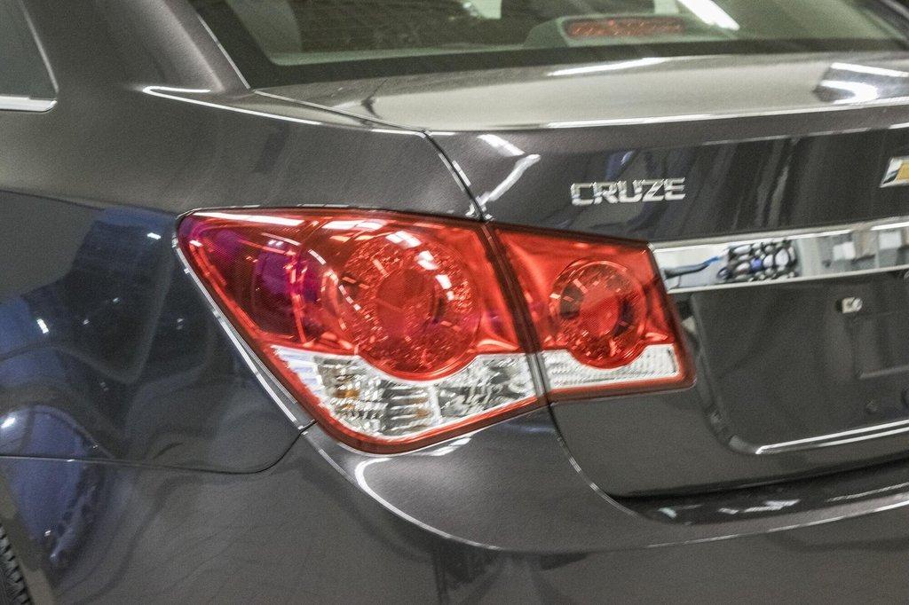 2015 Chevrolet Cruze LT  **GROUPE ELECTRIQUE ** CAMERA ** in Dollard-des-Ormeaux, Quebec - 32 - w1024h768px